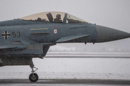 EE UU amenaza a Europa con represalias si impulsa en solitario sus proyectos de defensa
