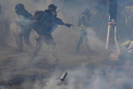 Los 'chalecos amarillos' y los grupos radicales desdibujan a los sindicatos en Francia