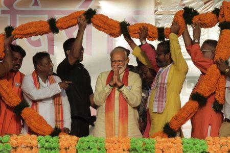 Modi se juega la reelección en India entre crecientes señales de descontento y polarización