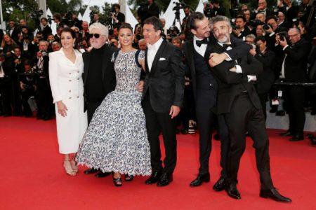 """Ovación de gala para """"una de las mejores noches"""" de Almodóvar"""