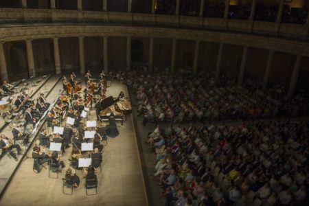 Las administraciones andaluzas acuerdan salvar la Orquesta Ciudad de Granada