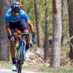 Landa se acerca al podio y Carapaz acaricia el Giro