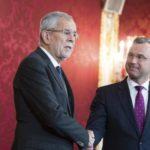 Elecciones europeas, claves del lunes: La crisis política en Austria y la financiación del Brexit Party