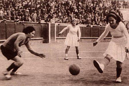 Fútbol y poder, el partido del siglo