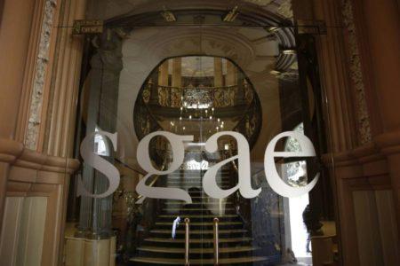La SGAE hace los deberes para salvarse