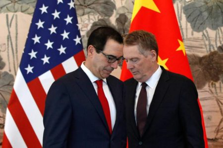 Trump amenaza a China con más aranceles en la última fase de las negociaciones comerciales