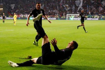 El Madrid elige a Jovic para recuperar el instinto de gol