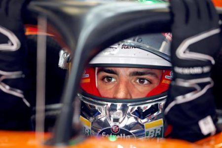 Cruce de caminos para Carlos Sainz