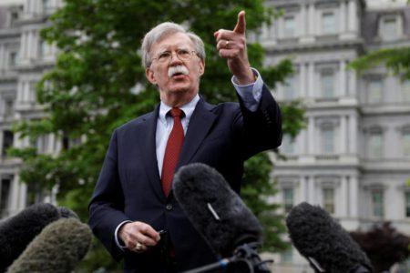 Bolton culpa a Irán del ataque a los petroleros en aguas de Emiratos