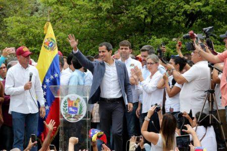 Guaidó alude al apoyo militar y anticipa contactos con el Comando Sur de EE UU