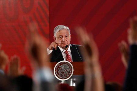"""López Obrador responde a Trump: """"Los problemas sociales no se resuelven con impuestos"""""""