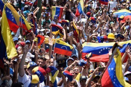 Guaidó llama a la huelga general para forzar la salida de Maduro