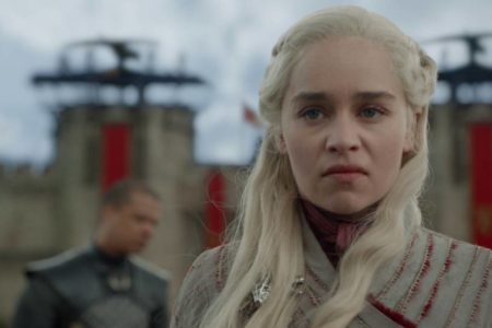 Normal que la Khaleesi necesite un latte