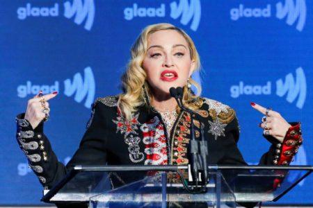 """""""Madonna ha desembarcado en Tel Aviv con cien colaboradores. Actuará"""""""