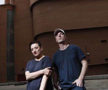 Un dúo artístico para perforar Venecia