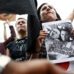 México intensificará los controles migratorios para frenar la guerra arancelaria de Trump