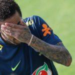 Neymar publica los mensajes de la mujer que le acusa para defenderse