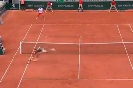 El voleón de Federer que parecía imposible alcanzar