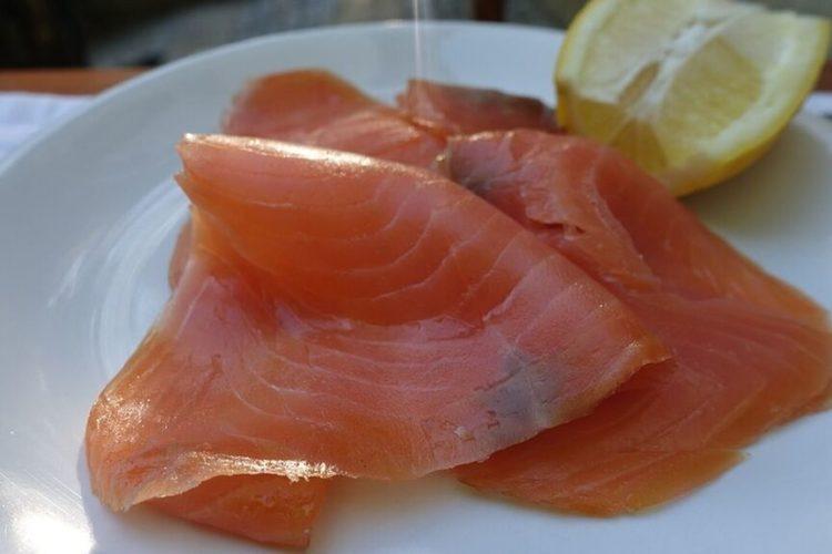 Alerta sanitaria europea por un brote de listeriosis en salmón ahumado y trucha