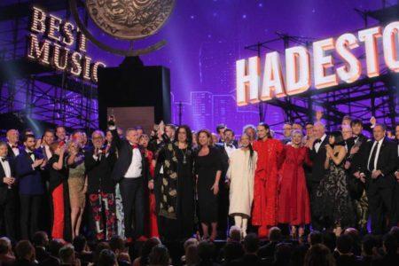 La única directora nominada triunfa en los Premios Tony