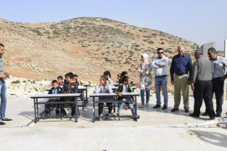 Bruselas exige a Israel que devuelva las aulas donadas por la UE a civiles palestinos