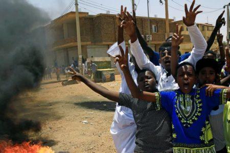 La Unión Africana suspende a Sudán hasta que establezca una autoridad civil