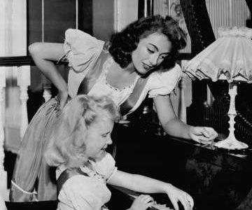 Joan Crawford, ¿madre monstruosa o víctima de una hija cruel?