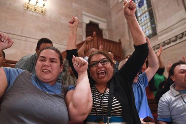 Nueva York permite a los indocumentados obtener el permiso de conducir
